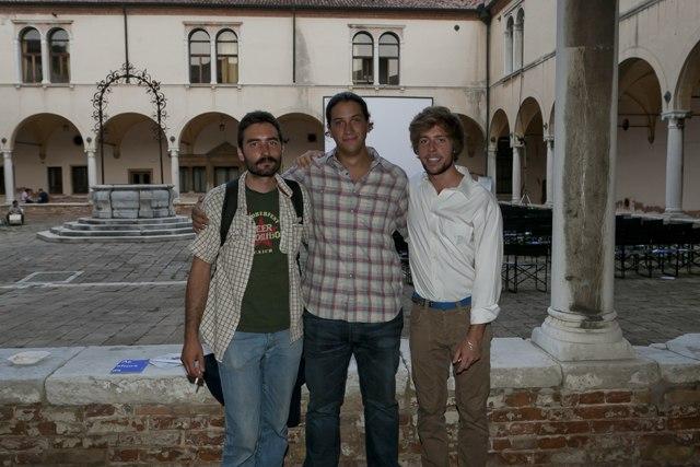 Il regista Michele Coggiola (centro) con il cast di G-The Other me. Circuito Off, Lido di Venezia. Ph. Andrea Somavilla