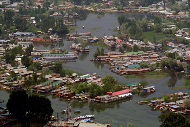 Lago Dal, Srinagar, Kashmir. Ph. Angelo Redaelli