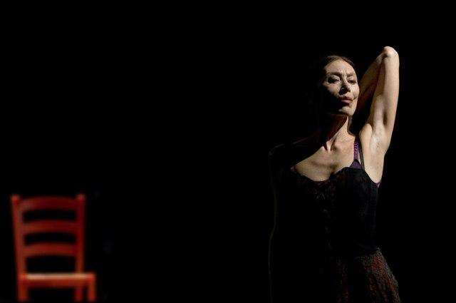 Luciana Savignano, Ukiyo, Teatro Parenti, Milano. Ph. Angelo Redaelli