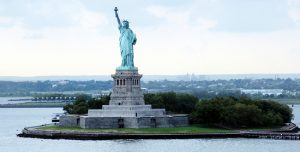 1-statue-of-liberty_650_20130325
