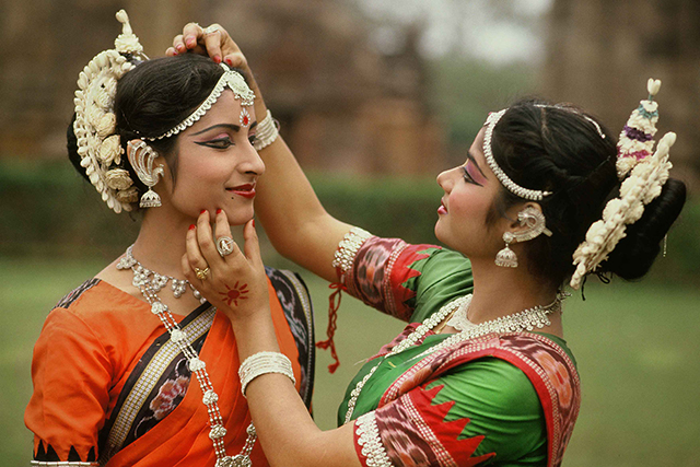 Orissi dance back stage, India. Ph. Angelo-Redaelli